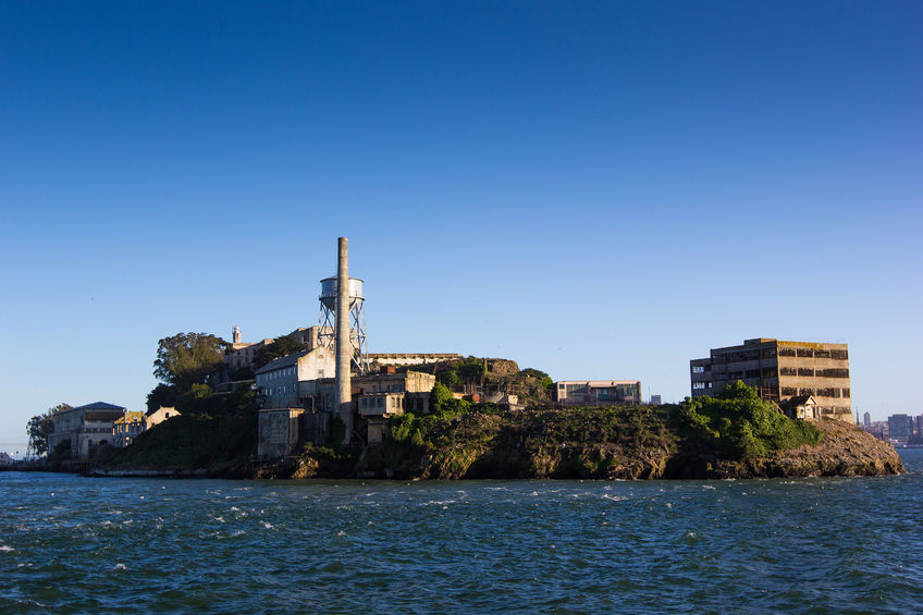 Right & Wrong Ways to Retain Key People: Top 3 Reasons Your Employees Feel They Work at Alcatraz